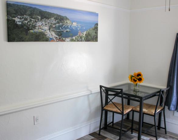 Mini-Suite-Dining-Room