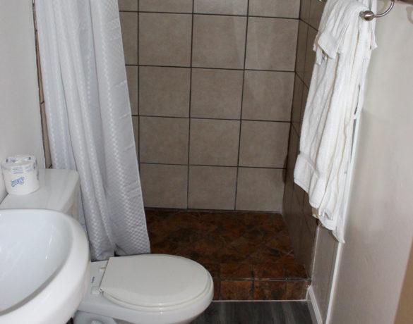 Preferred-Landing-Cottage-Bathroom