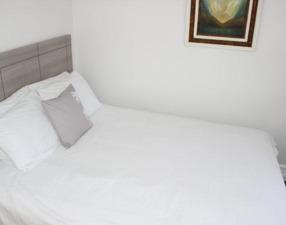 Standard-Queen-Bedroom