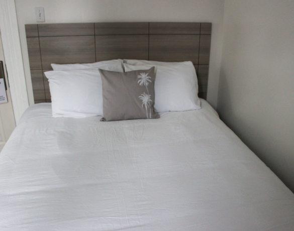 Standard-Queen-Room-Bed