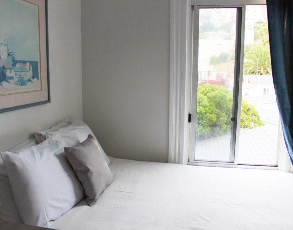 Standard-Queen-Room-Bed-View